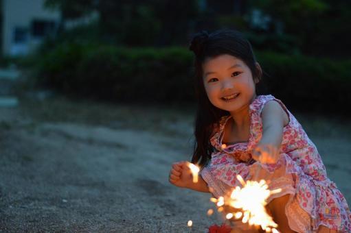 소지 불꽃을 어린이