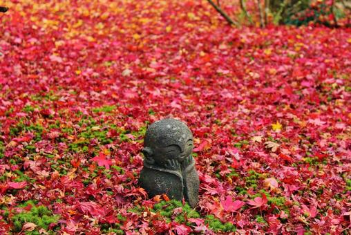 Fall leaves and Warabe Jizo