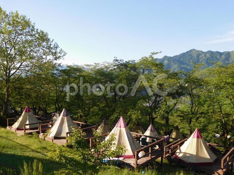新緑のキャンプ場(GW)の写真
