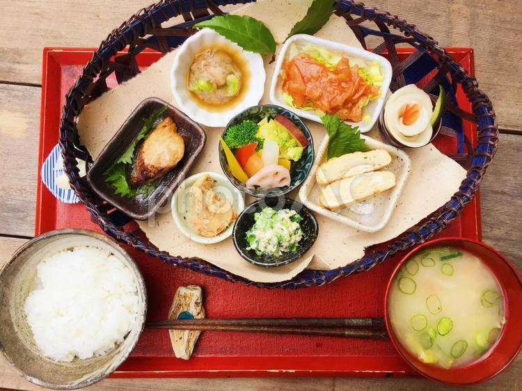 豪華な和食の写真