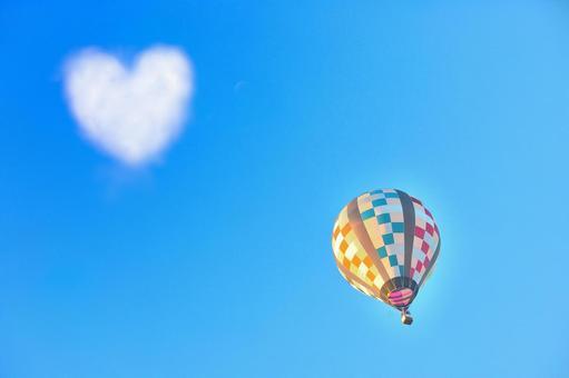 Heart cloud and balloon