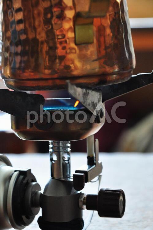 キャンプコーヒはランタンと銅のポットで3の写真