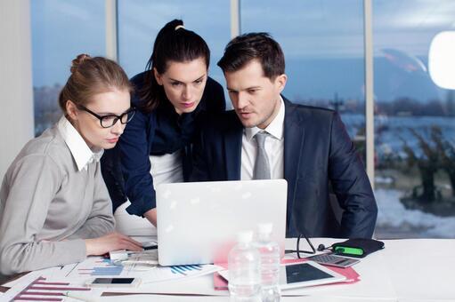 Business team to arrange meetings 6