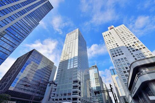 도쿄역 앞 오오 테마의 고층 빌딩 군