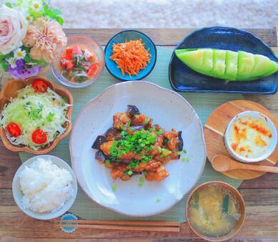 Stir-fried food with eggplant
