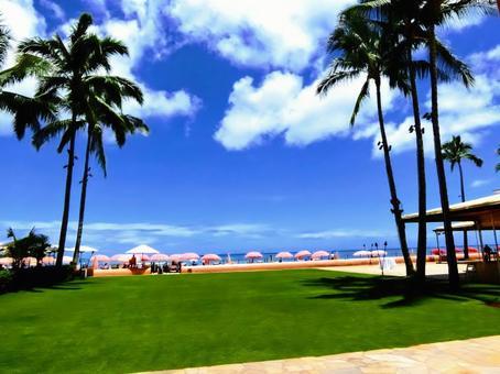 Waikiki beach blue sky