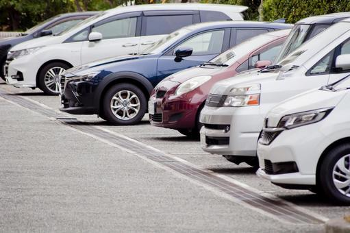 Full parking lot image