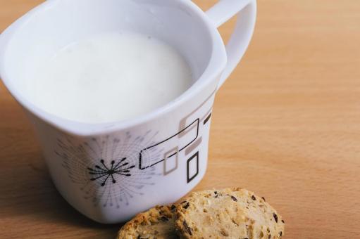 뜨거운 우유 2