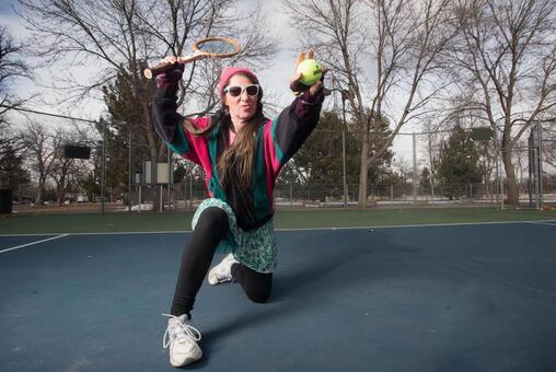 老年婦女15打網球