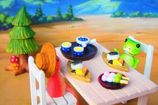 소형 개구리 점심 모임