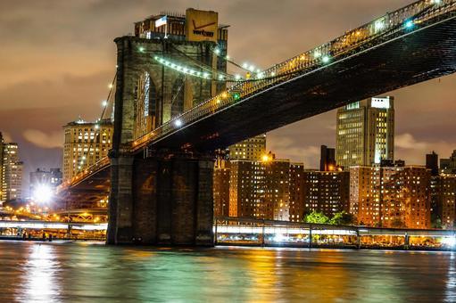 Brooklyn Bridge and Skyscraper 1