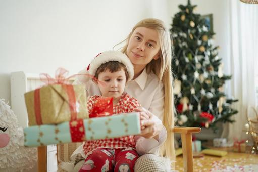 Christmas gifts and parents