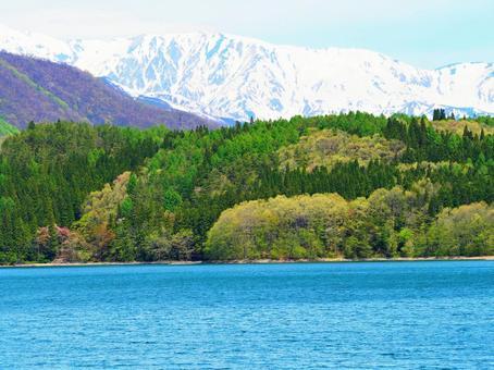 Northern Alps and Lake Aoki