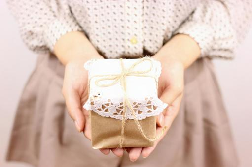 Women's gifts to give presents 1