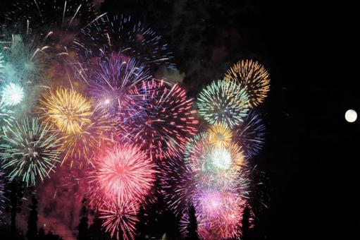 Lake Biwa Large Fireworks Festival