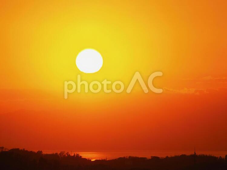 湘南海岸の夕日の写真