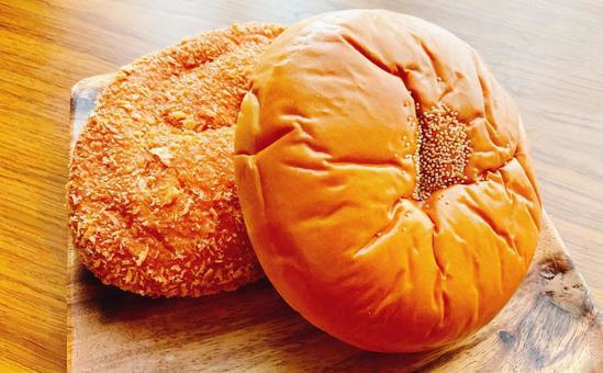 카레 빵과 팥빵