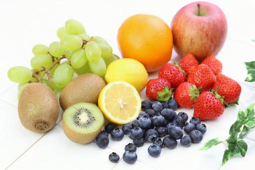 Blueberries and strawberries, lemon, oranges, kiwi, muscat and apple 7