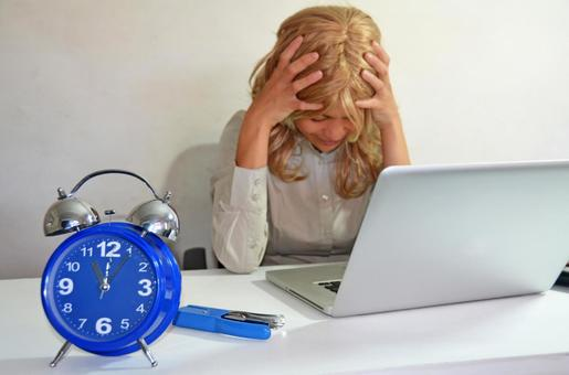 Foreign business woman suffering by deadline 1