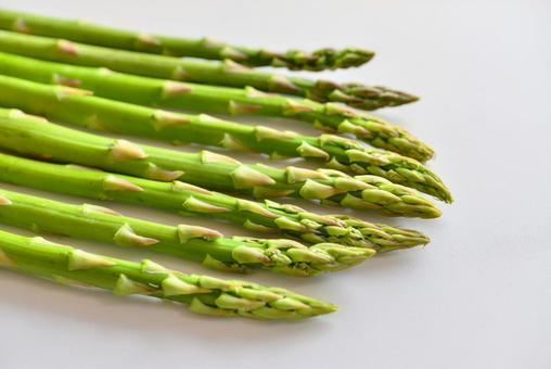 Multiple asparagus (white background)