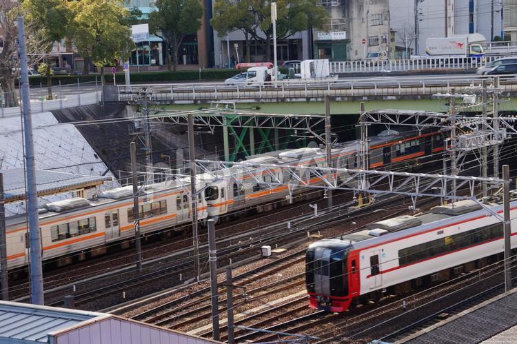 金山駅 電車の写真