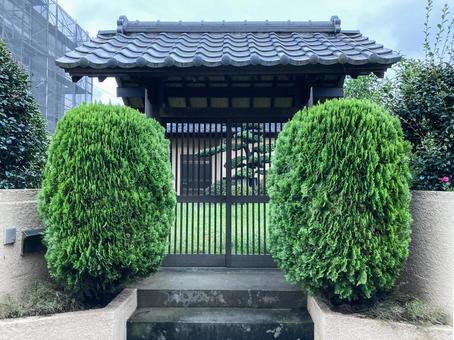 Japanese-style house gate