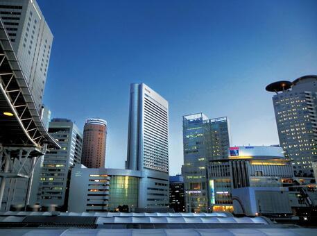오사카 역 앞의 풍경