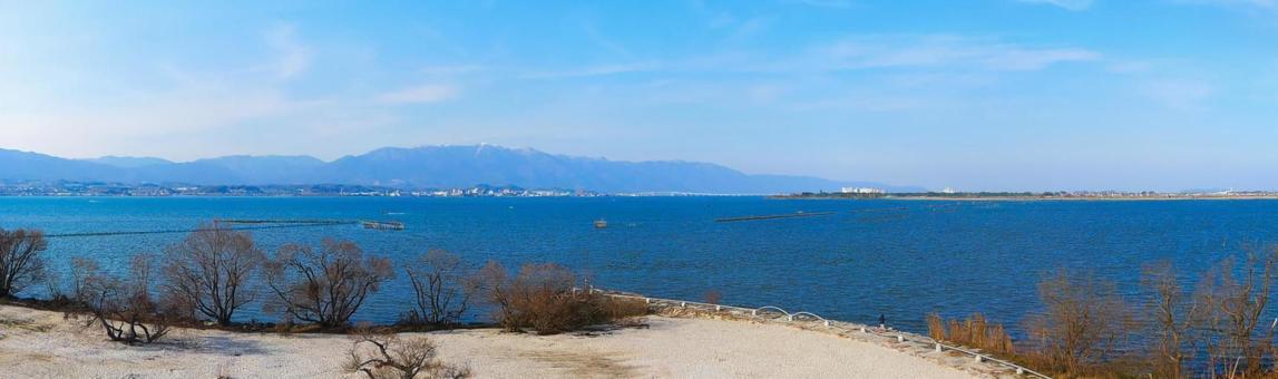 Lake Biwa seen from the Karasumaru peninsula - Lake Biwa Ohashi Bridge direction