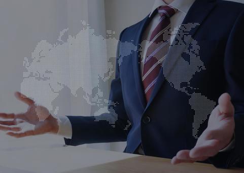 말하는 사업가와 세계지도 진출 글로벌