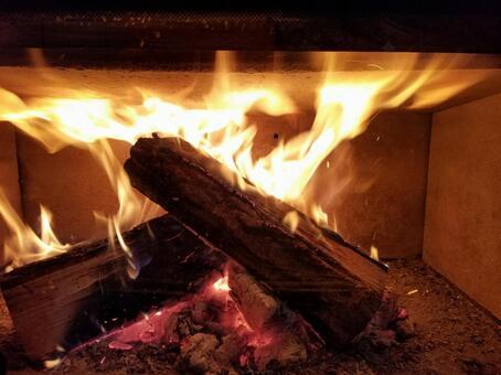벽난로의 불꽃, 나무 난로 생활