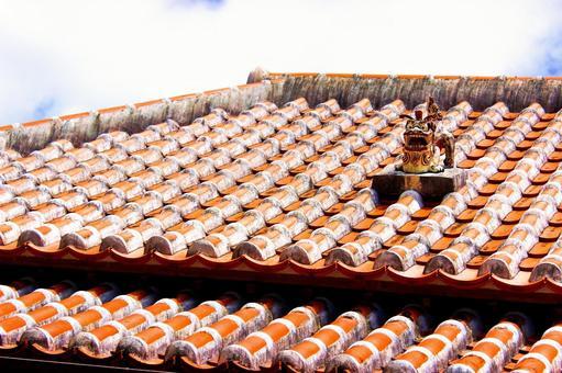Okinawa roof