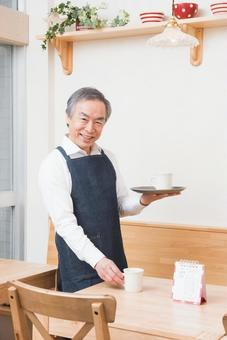 The grandfather who puts a mug