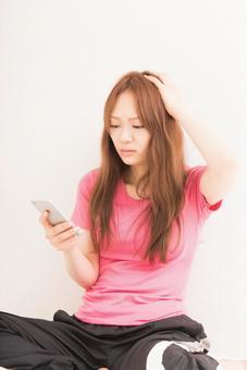 Women who use smartphones 5