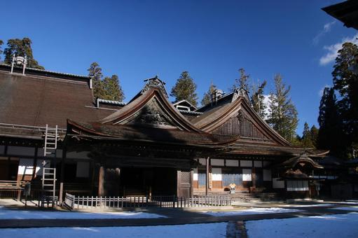 Konoganeji寺廟入口和小入口