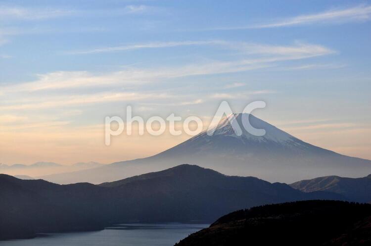 芦ノ湖と富士山の写真