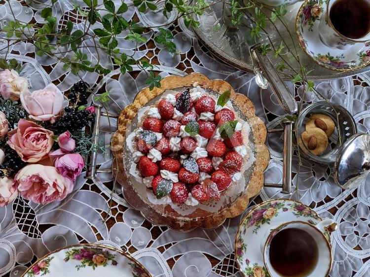 アフタヌーンティー:イチゴのタルト3の写真