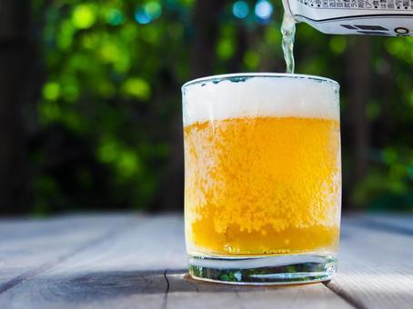 맥주와 정원 캔