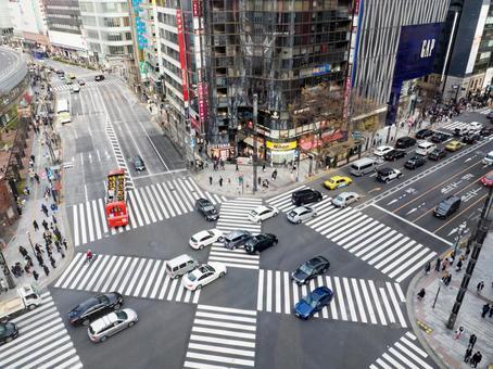 Scramble intersection Ginza