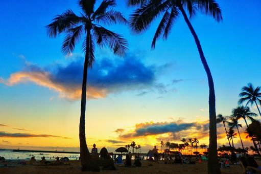 Romantic sunset time in hawaii