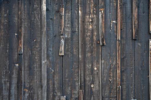 검은 나무 판자 담
