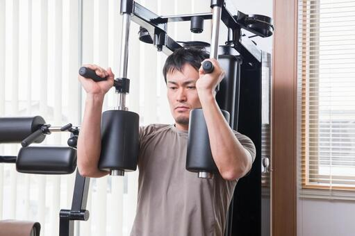 Men who train the pectoralis major