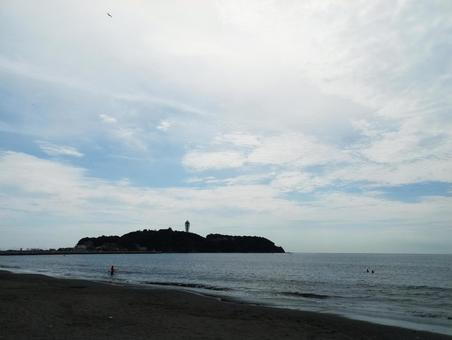 Enoshima at the end of the summer and the sea