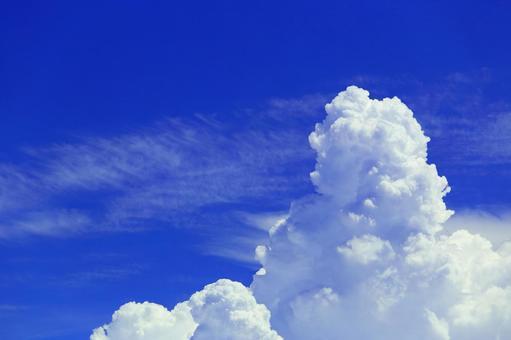 Blue sky and cumulonimbus sky