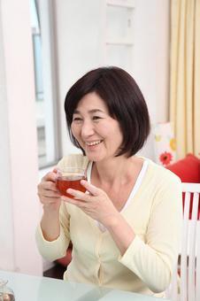 高級女2茶飲料