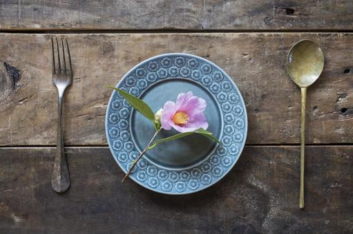 木桌_斯堪的納維亞餐具_餐具_茶花