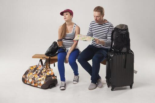 A couple to travel 23