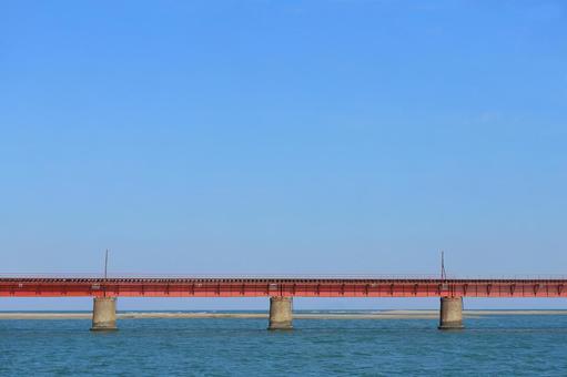 하구에있는 붉은 다리
