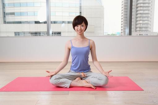 婦女是瑜伽6
