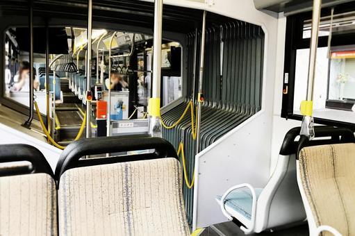 铰接的公共汽车4