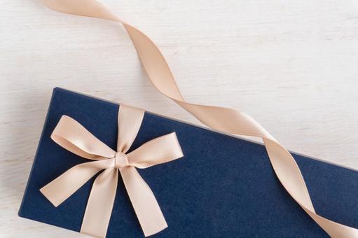 Gift image Gift box and ribbon